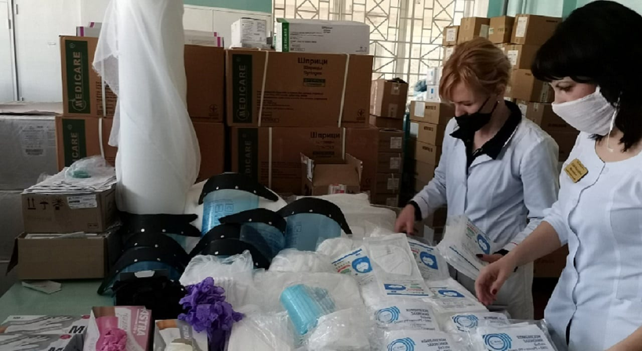 Перший етап готовності лікарні до боротьби з коронавірусом детская больница запорожье КНП «Міська дитяча лікарня №5» ЗМР – це єдина у місті Запоріжжі багатопрофільна дитяча лікарня, де сконцентровано всі види надання спеціалізованої медичної допомоги дитячому населенню: стаціонарної, консультативної амбулаторно-поліклінічної та виїзної для інтенсивної терапії новонародженим.